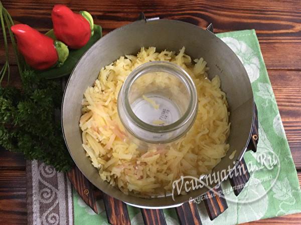 выкладывание слоев - картофель