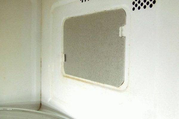 Зачем нужна слюда в микроволновке и что делать если она прогорела