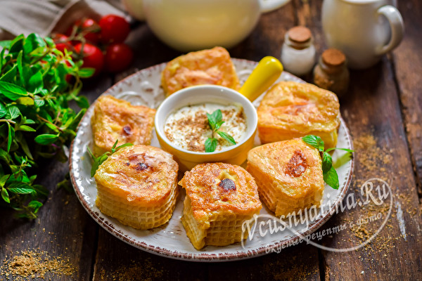 закуска с сыром и сосисками