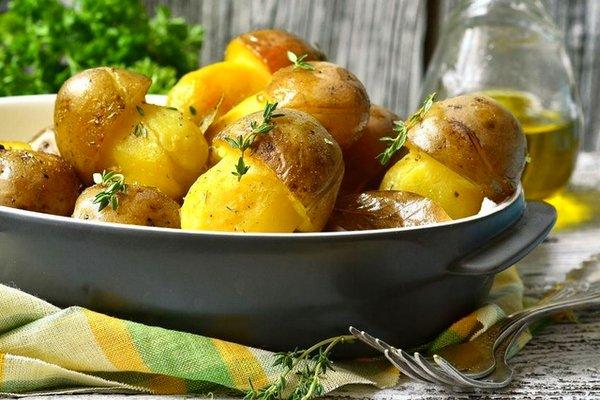 Простые и вкусные блюда из картофеля на Новый год 2021