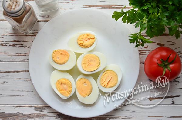 половинки сваренных яиц