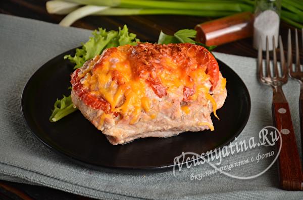 праздничная свинина с томатами