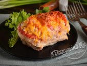 Свинина гармошка с сыром и помидорами