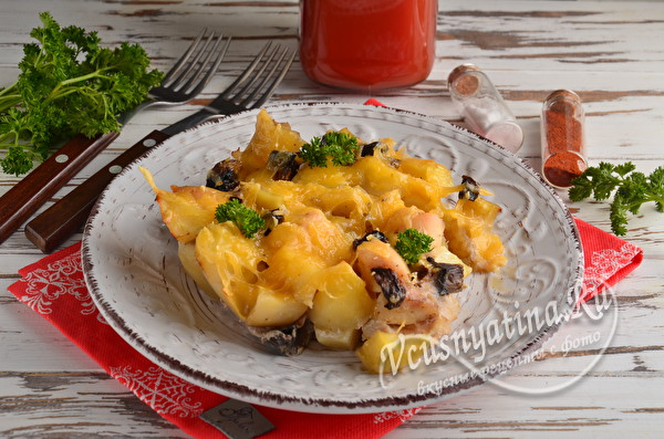Курица в духовке с картошкой и грибами
