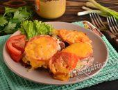 Мясо по-французски с помидорами и сыром