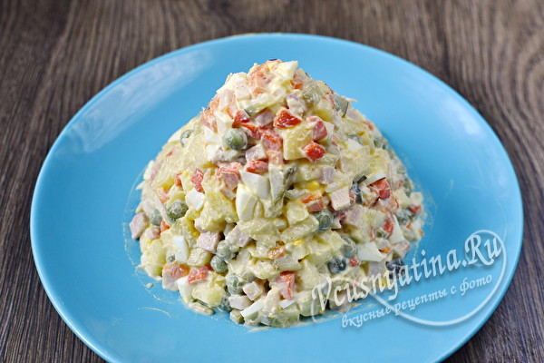 выложить салат конусом