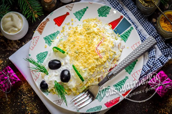 новогодний салат с копченой курицей