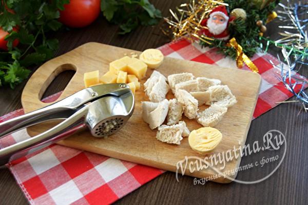 сыр, чеснок и яйца
