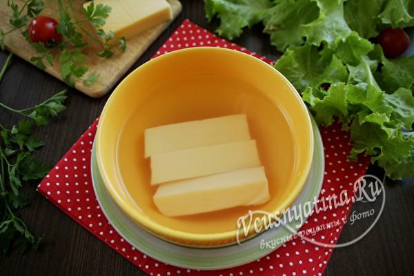 сыр в воде