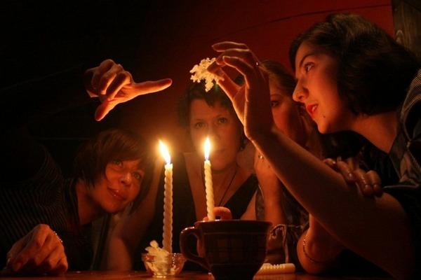гадание на свечах в Крещение