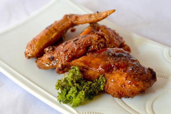Куриные ножки и крылья с хрустящей корочкой