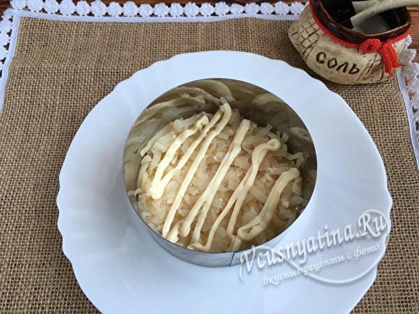 слой картофеля в кольце