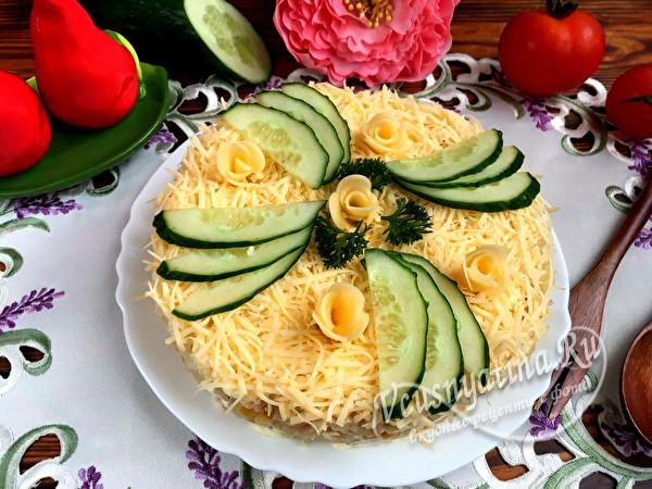 салат с ананасом и кукурузой