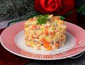 Салат с индейкой, яблоком и печеными овощами