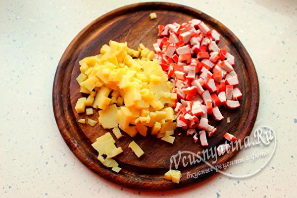 нарезать картофель и палочки
