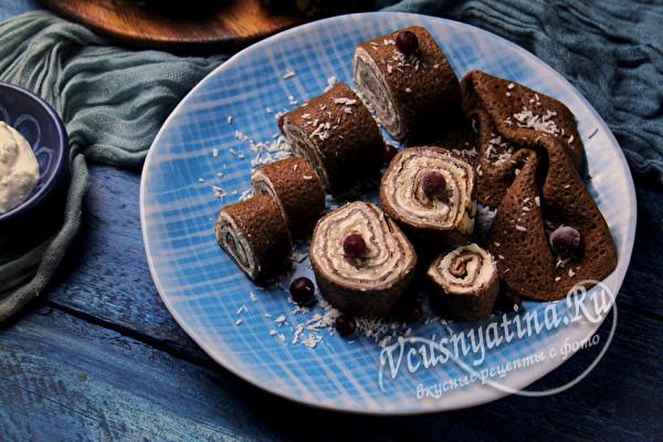 шоколадные роллы из блинов