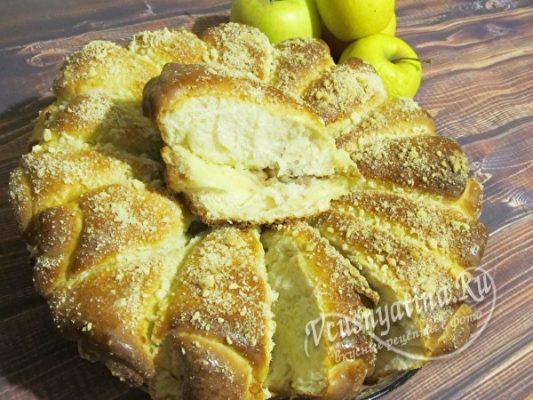 кусочек пирога с яблоками