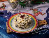Салат с морской капустой, картошкой и яйцом