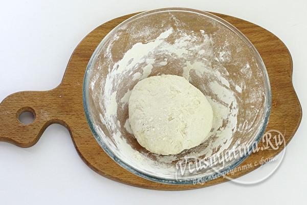 вымешивать тесто