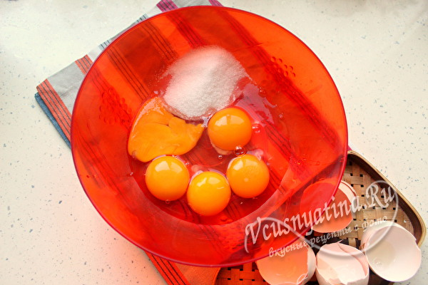 яйца, сахар и соль