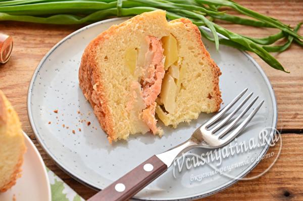 кусок рыбного пирога