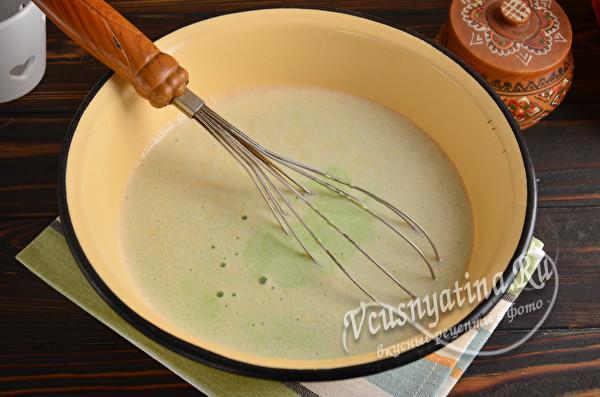 перемешать тесто