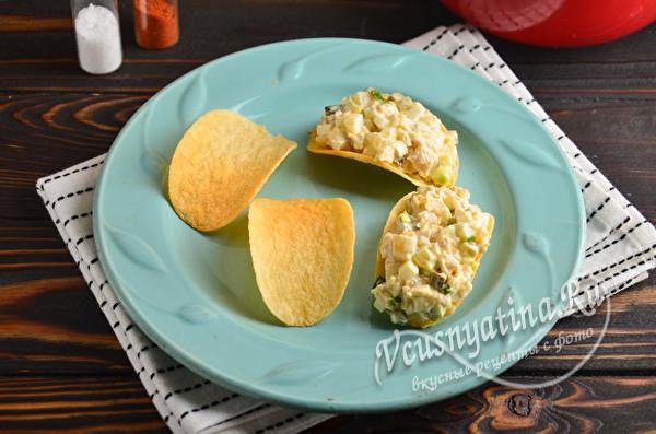 Закуска на чипсах - 7 оригинальных рецептов начинки
