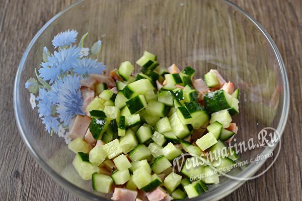 """Вкусный и красивый салат """"Курочка ряба"""" к пасхальному столу"""