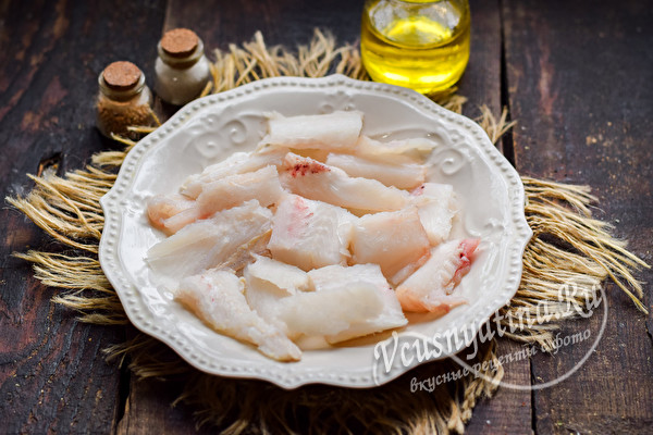 нарезать филе рыбы