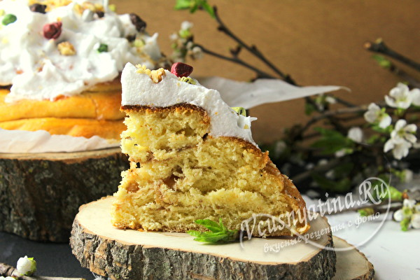 Пасхальный пирог с орехами и повидлом