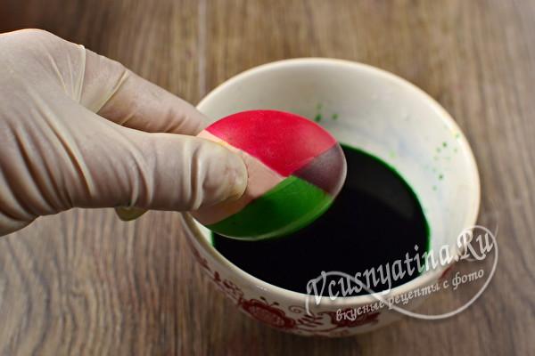Как покрасить красивые радужные яйца к Пасхе