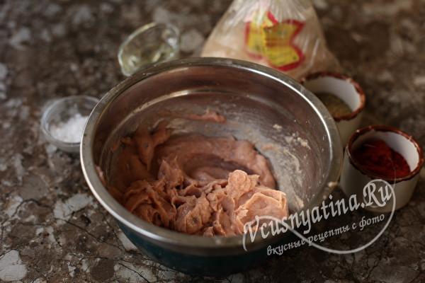 Немного сливочного масла и котлеты из горбуши всегда будут сочными