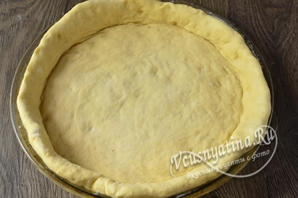 Пирог с рыбой из дрожжевого теста (в духовке): 14 пошаговых фото в рецепте
