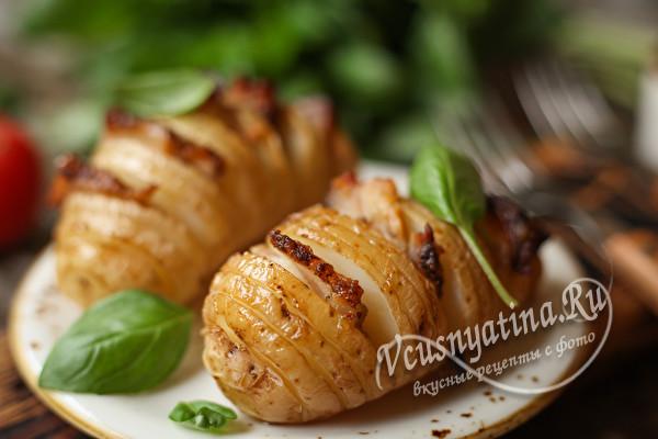 Гармошка из молодой картошки с салом – просто, доступно и вкусно