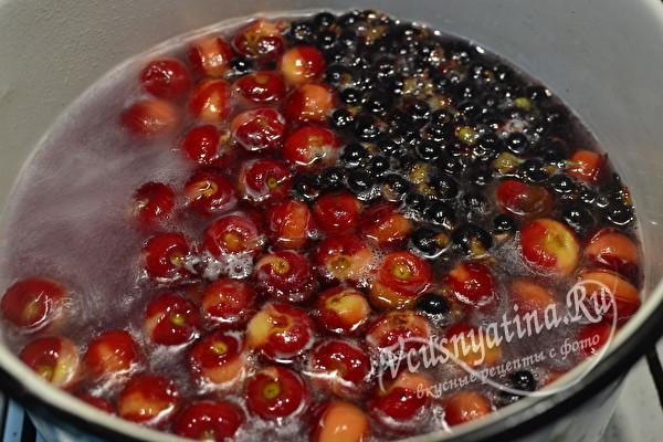 Компот из вишни и смородины на зиму - расчетом на 3 литровую банку