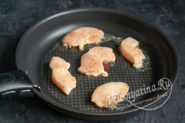 обжарить куриное филе