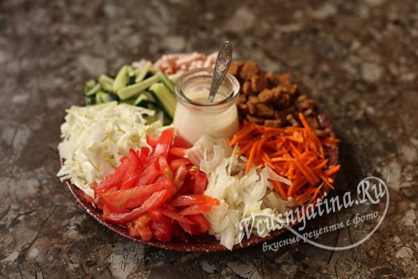 """Салат """"Козёл в огороде"""" с мясом и корейской морковью"""