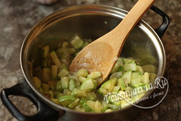 Салат из кабачков, баклажанов, перца и помидоров на зиму