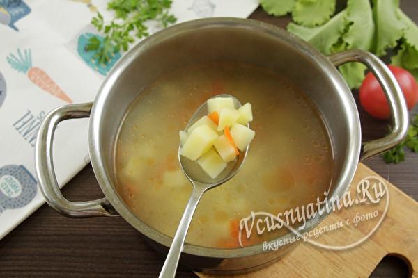 положить овощи в суп
