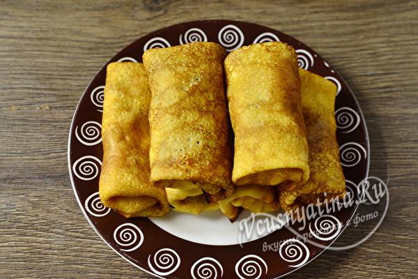Блинчики с мясом, яйцом и луком жареные на сковороде