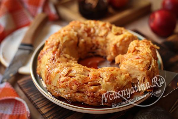 Сочный яблочный пирог в духовке