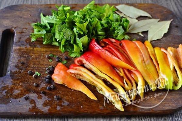 Очень вкусные маринованные помидоры с сельдереем на зиму