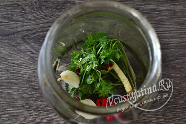 Салат из резаных помидоров с луком без стерилизации