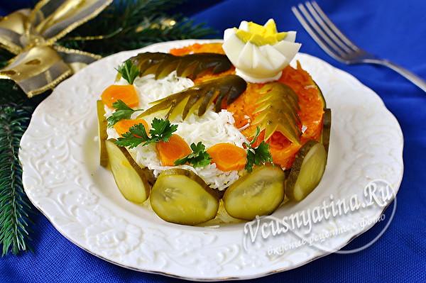 Красивый и вкусный салат-торт с куриной печенью