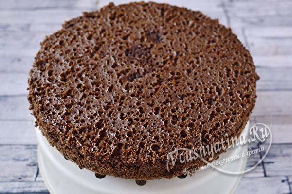 Простой шоколадный бисквит в мультиварке