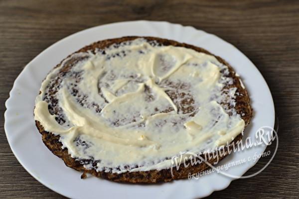 Простой и вкусный печеночный торт