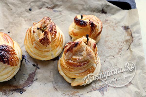 Запеченная груша в слоеном тесте – умопомрачительный десерт