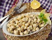 Салат со шпротами и сухариками