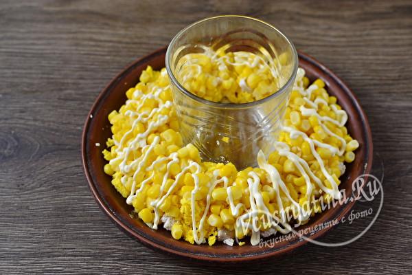 Вкусный и красивый салат из куриной грудки