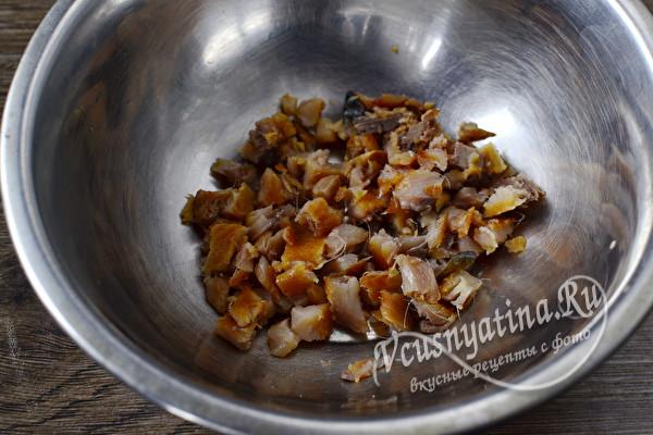 """Вкусная закуска """"Проглоти язык"""" со скумбрией и грибами"""